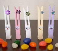 clothes PIN BUNNIES EASTER RECYCLE CRAFT